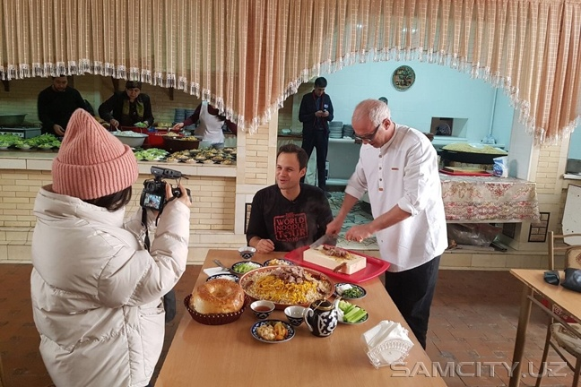 В Самарканд прибыл блогер «The Food Ranger»
