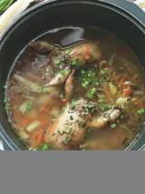 Суп с фаршированными перепелками