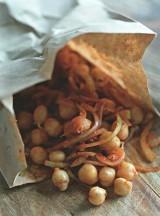 Нохатхурак, нут с луком и перцем