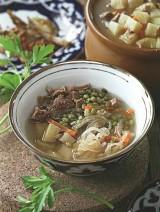 Maшевый суп в горшочке на прозрачном бульоне