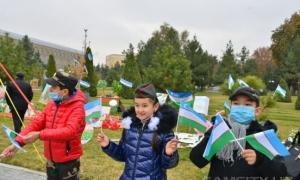 Фото: День государственного флага отметили в Самарканде
